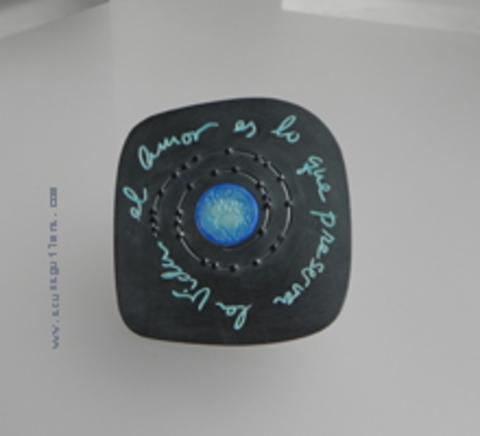 Asun Aguilera - Colgante El Amor es lo que preserva la Vida      - emociones hechas joyas,joyería de Autor,Asun Aguilera