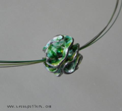 Asun Aguilera - CARVED SPHERE Pendant / Enamel   100 € - emociones hechas joyas,joyería de Autor,Asun Aguilera