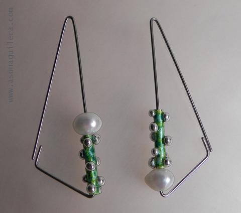 Asun Aguilera - SMALL SPHERES TUBES-Triangles Earrings   90 € - emociones hechas joyas,joyería de Autor,Asun Aguilera