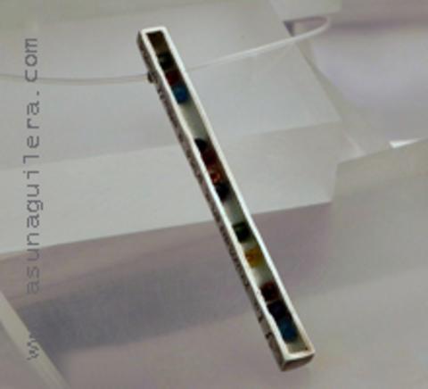 Asun Aguilera - Colgante NUEVOS SOLES DE TIERRAS NUEVAS - Alargado   108 € - emociones hechas joyas,joyería de Autor,Asun Aguilera
