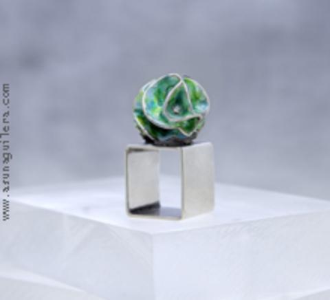 Asun Aguilera - CARVED SPHERE Ring-Square-Enamel   125 € - emociones hechas joyas,joyería de Autor,Asun Aguilera