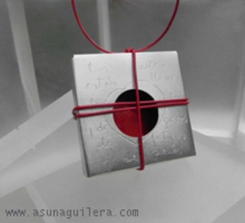 Asun Aguilera - LOVE & HEARTBREAK Pendant   140 € - emociones hechas joyas,joyería de Autor,Asun Aguilera
